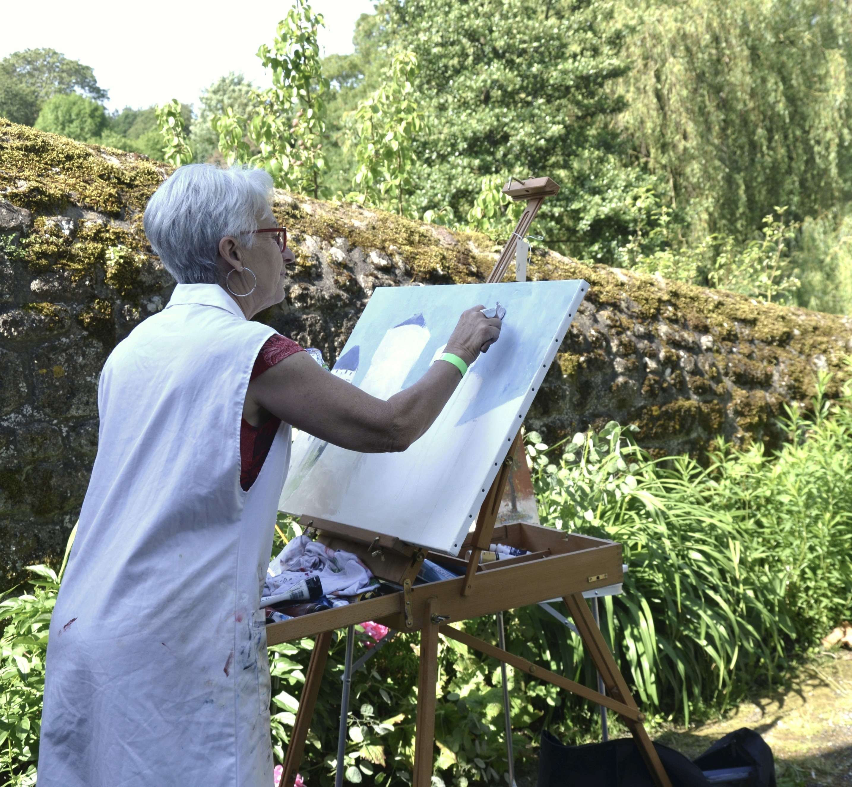 Painting in the garden in Lassay-les-Chateaux, France